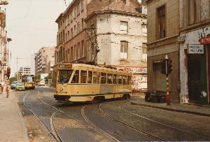 Au croisement des rues d'Idalie & du Trône le 11 juillet 1985, photo Christian Scheemaekers