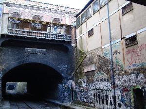 La gare de Montrouge-Ceinture à l'abandon depuis 1934