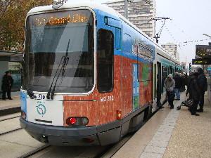La rame inaugurale à la station Mairie-de-Villeneuve-la-Garenne, photo Philippe-Enrico Attal