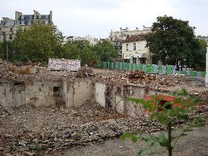 Le BV de la Gare d'Auteuil préservé par le chantier de démolition, photo Philippe-Enrico Attal