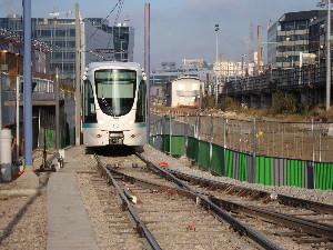Le Citadis du tram T2 en retournement à Issy-Val-de-Seine