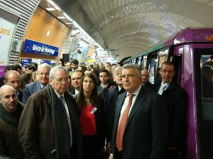 Le ministre des transports, le président de la région et le pdg de la RATP descendent de la rame officielle à Mairie de Montrouge, photo Philippe-Enrico Attal