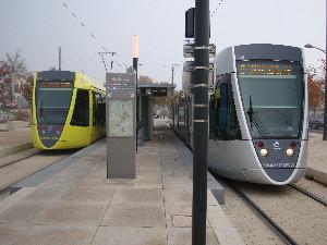 Rames des lignes A & B au terminus de Neufchâtel, photo Philippe-Enrico Attal