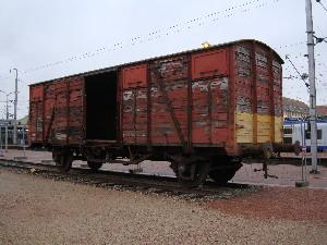 Un wagon provosoire a été installé en attendant un matériel historique plus en rapport, photo Philippe-Enrico Attal