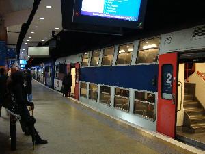 Une rame de la ligne D Gare-du-Nord au départ en direction de Châtelet-Les-Halles. 24 trains par heure s'engagent dans ce tunnel, photo Philippe-Enrico Attal